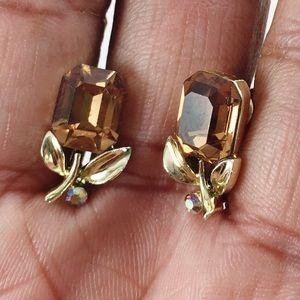 Lisner Screwback Earrings